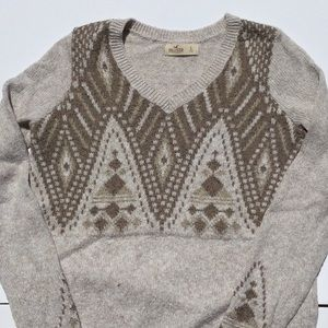 HOLLISTER oatmeal and tan v neck sweater
